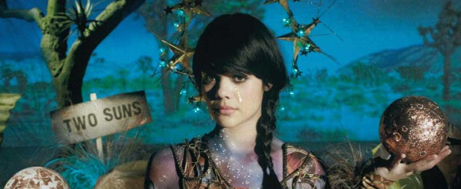 Two Suns – Bat For Lashes